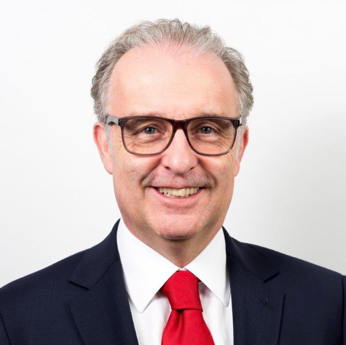 (Inhaber)   1. Vorsitzender im Berufsverband desDeutschen Münzenfachhandels e.V.   Sekretär der FENAP